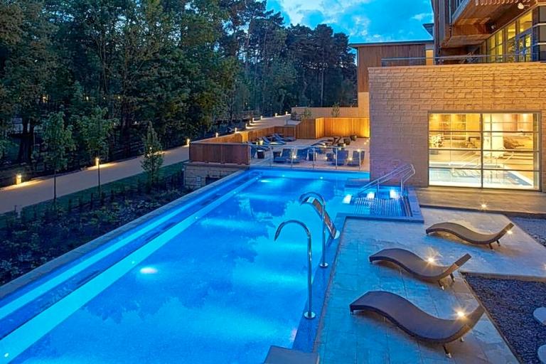 Center Parcs Woburn ForestAqua Sana Spa infinity pool